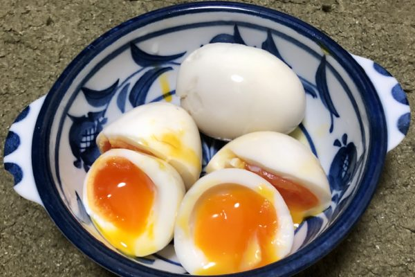 見た目は普通の半熟玉子、食べると悶絶級の旨さです【奇跡の白味玉】を料理してみた!